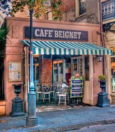 .Perhatikan Tempat atau Lokasi Kafe Didirikan. cc.Pinterest.com
