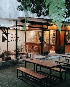 Suasana Kafe Yang Nyaman. cc.Pinterest.com