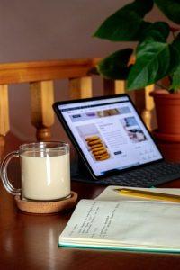 Conten Writer. cc.Unplash.com